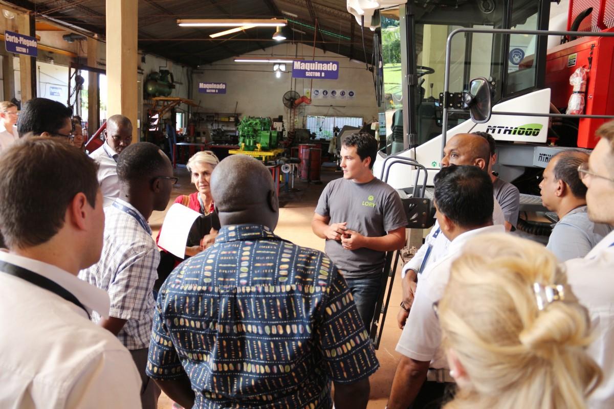 La empresa Finlays e invitados de Kenia y Sri Lanka de visita en Lory Máquinas